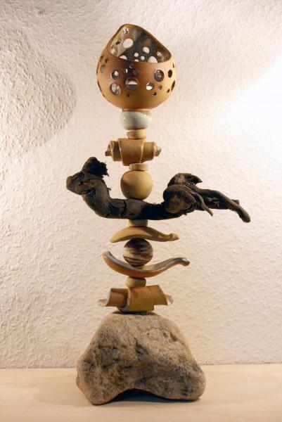 Kerzenständer aus verschiedenen Elementen